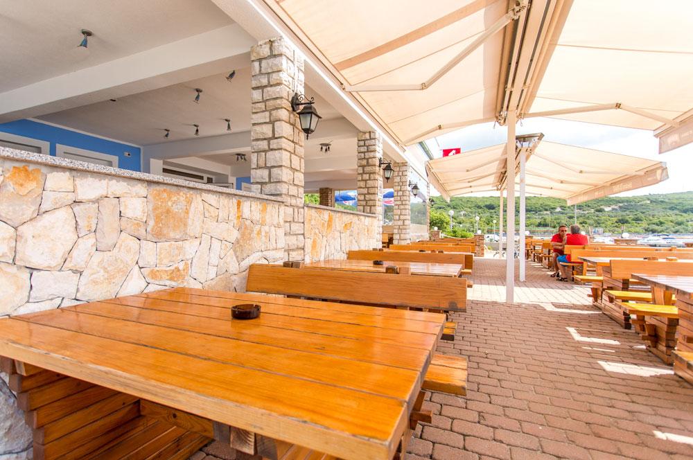 Restaurant Pizzeria Dunat direkt neben der Tauchbasis